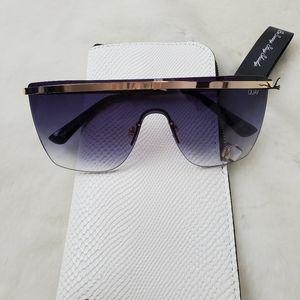 Quay Australia Get Right sunglasses + case New
